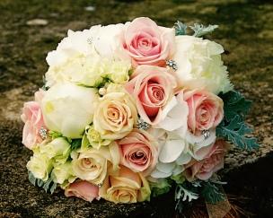 thumb_thumb_Laura et Vincent - Le bouquet (2)_1024_1024